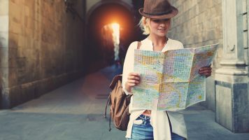 11 Dinge, die Sie auf Reisen niemals tragen sollten